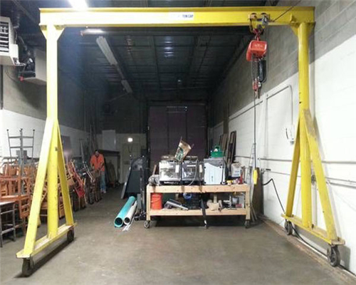 Garage gantry cranes